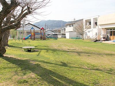 松原保育園 園庭 写真